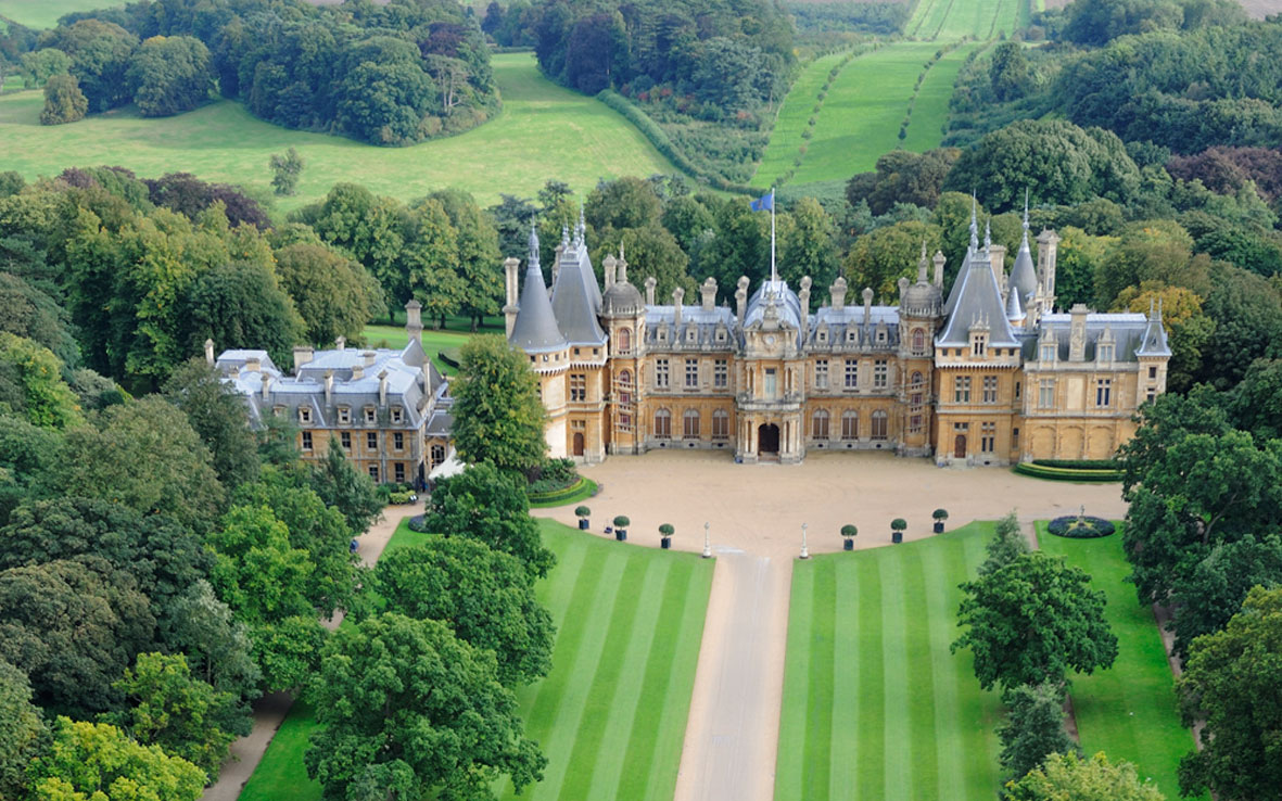 Aerial_view_of_Waddesdon_Manor_from_the_north